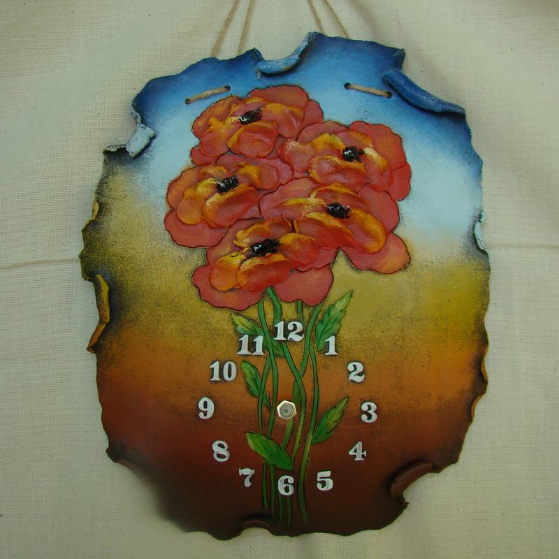 Красивые часы в интерьере
